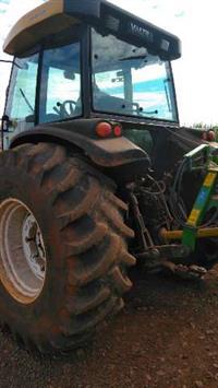 Trator Valtra/Valmet BM 125 4x4 ano 08