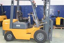 Empilhadeira a GÁS ; Empilhadeira a diesel Nova a venda e locação