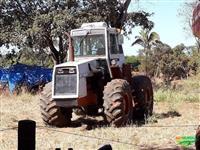 Trator Case 2470 4x4 ano 89