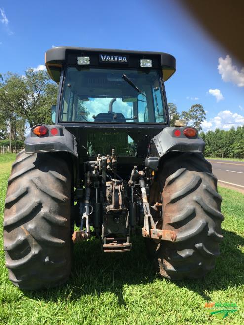 Trator Valtra/Valmet BM 100 4x4 ano 13
