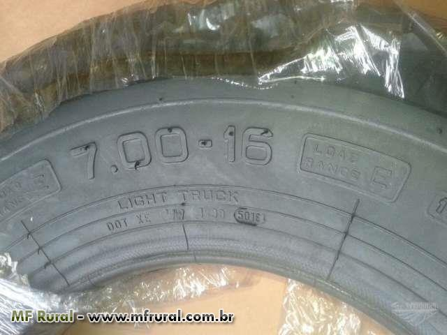 Pneus 7.00 - 16 Pirelli 10 lonas - novos