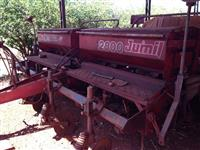 Plantadeira Jumil modelo 2800 ano 1995