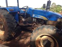 Trator Ford/New Holland TT4030 75cv 4x4 ano 13