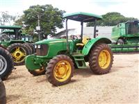 Trator John Deere 5055E 4x4 ano 12