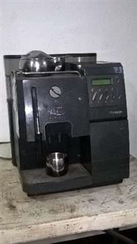 Máquina de Café Expresso Super-Automática
