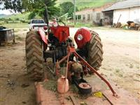 Trator Massey Ferguson 65x 4x2 ano 75