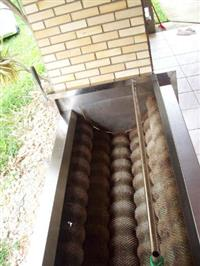 Máquina de descascar legumes e hortaliças