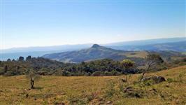 Pense em lugar tranquilo e com uma vista espetacular a 1100m de altitude , 120.000,00 m² .