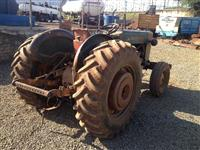 Trator Ford/New Holland 8 BR 4x2 ano 67