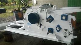 Picador de Madeira Toras e Serrarias Semi Novo Planalto com motor de 50 cv de Barbada Torrando