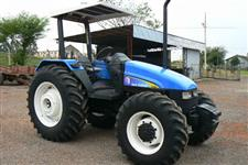 Trator Ford/New Holland new holland tl85 4x4 ano 04