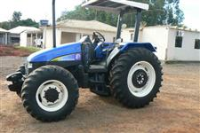 Trator New Holland TL 85 E 4x4 ano 03