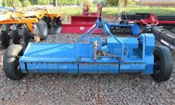 Triturador de Palha Triton marca Bertanha de 2,30 m usado