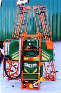 Pulverizador de  700 a 900 Litros  com Barras Hidraulicas
