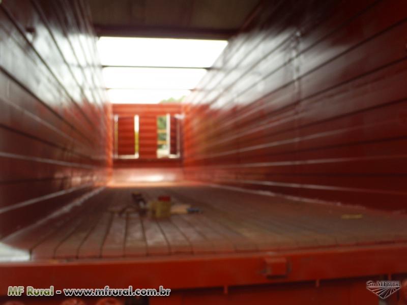 Montagem de gaiola com assoalho móvel