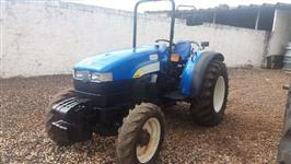 Trator New Holland TT 3880 4x4 ano 10
