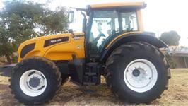 Trator Valtra/Valmet BH 210 4x4 ano 15