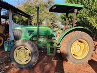Trator John Deere 5085 4x4 ano 11