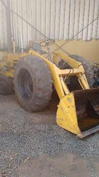 Pá Carregadeira CBT Para Material de Construção