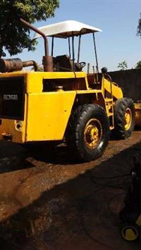 Máquina Pá Carregadeira Michigan 75 ll