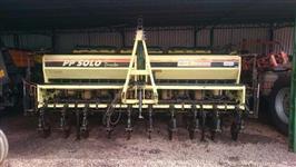 Plantadeira Baldan 10 linhas PP Solo 4500 ano 2001