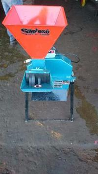 Triturador com Motor eletrico 2cv