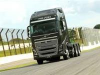 Caminhão Volvo Volvo 750 toda a prova Entrada 28mil e prestação 3.350,00 sem burocracia ano 15