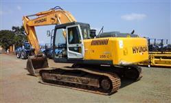 Escavadeira Hyundai R250 LC Ano 2010