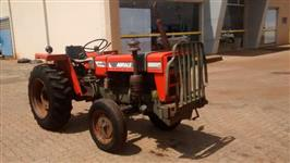 Trator Agrale 4200 4x2 ano 90