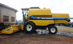 Colhedeira New Hollandt TC 5090, ano 2011 -