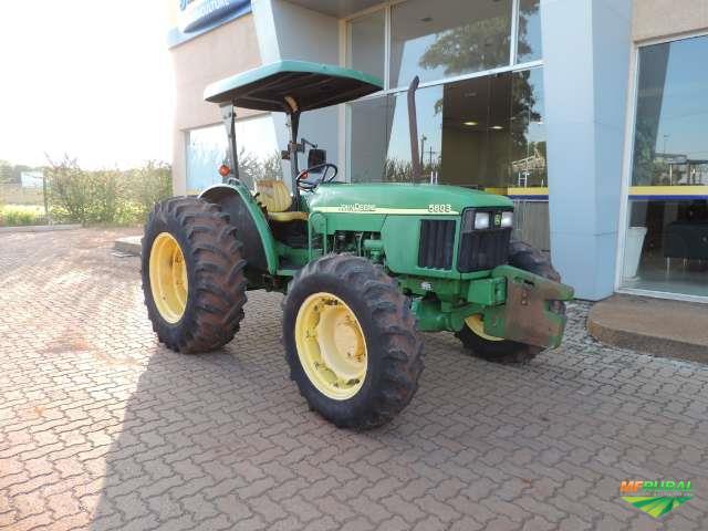Trator John Deere 5603 4x4 ano 10