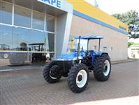 Trator New Holland TT 4030 4x4 ano 10
