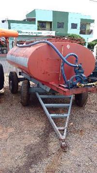 Carreta tanque 4200 l com bomba