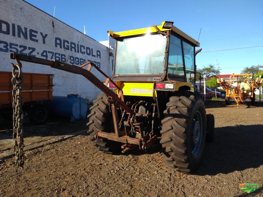 Trator Cbt 8240 4x2 ano 87