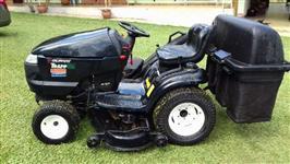 Mini/Micro Trator cortador de grama Murray 24cv ano 2011 4x2 ano 11