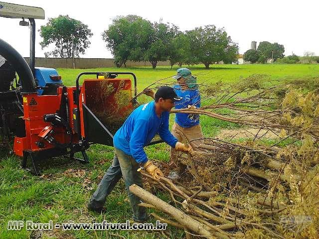 Picador e triturador de galhos, florestal, residuos orgânicos, folhas , gravetos e outros.