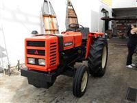 Trator Agrale 4300 4x2 ano