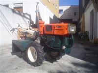 Mini/Micro Trator TOBATTA 10 CV DIESEL C/ENXADA  REVISADO COMPLETO 4x2 ano 82