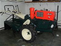 Mini/Micro Trator TOBATTA DE 10 CV C/ENXADA FACAS NOVAS 4x2 ano 82
