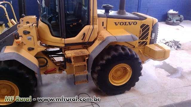 Pá Carregadeira Volvo L110F de pneus Ótimo estado Ano 2008 2 opções de caçamba.