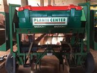 Plantadeira de mandioca Planti Center - 2 linhas