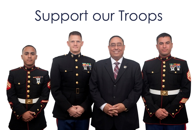 Luis Colon MGE CEO with 3 US Marines - MGE Management Experts
