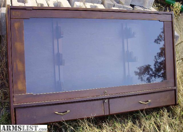 Merveilleux This Is A Wall Mount 6 Rifle Gun Display Storage Case Cabinet. It Has A  Lower Locking Storage Area And The Upper Locks As Well. It Can Hold 6  Rifles In The ...