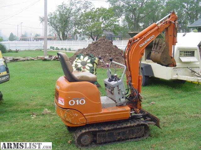 ARMSLIST - For Sale/Trade: Mini Excavator backhoe Deawoo solar 010