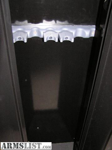 Nearly New And Upgraded 10 Gun All Steel Security Cabinet