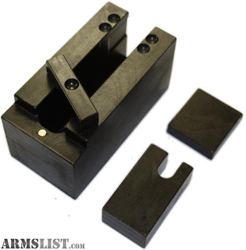 how to use a rivet press