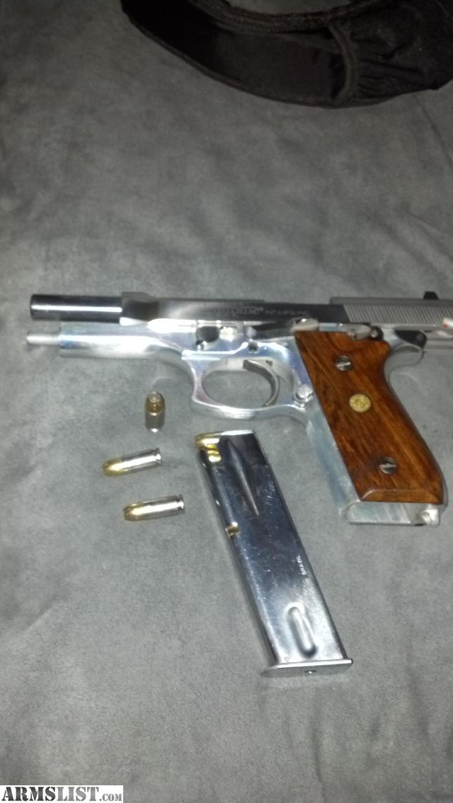 Taurus pt92 afs. One 15rd mag and one 17rd mag. Box. Fobus paddle ...