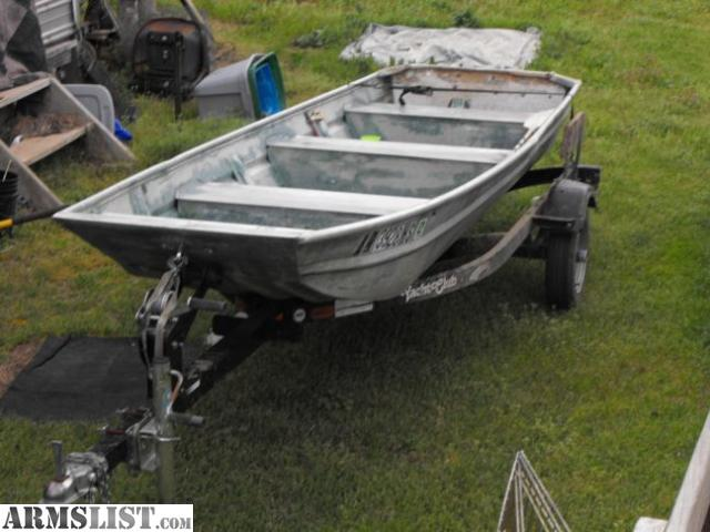 Armslist for sale 14 39 aluminum flat bottom and trailer for Flat bottom fishing boats