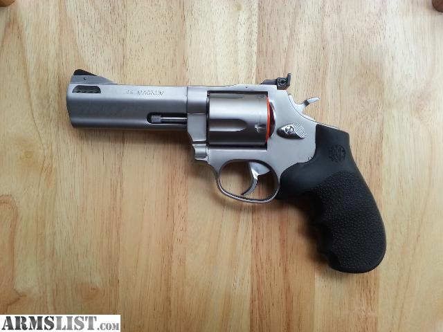 armslist for sale taurus tracker 44 mag new never fired. Black Bedroom Furniture Sets. Home Design Ideas