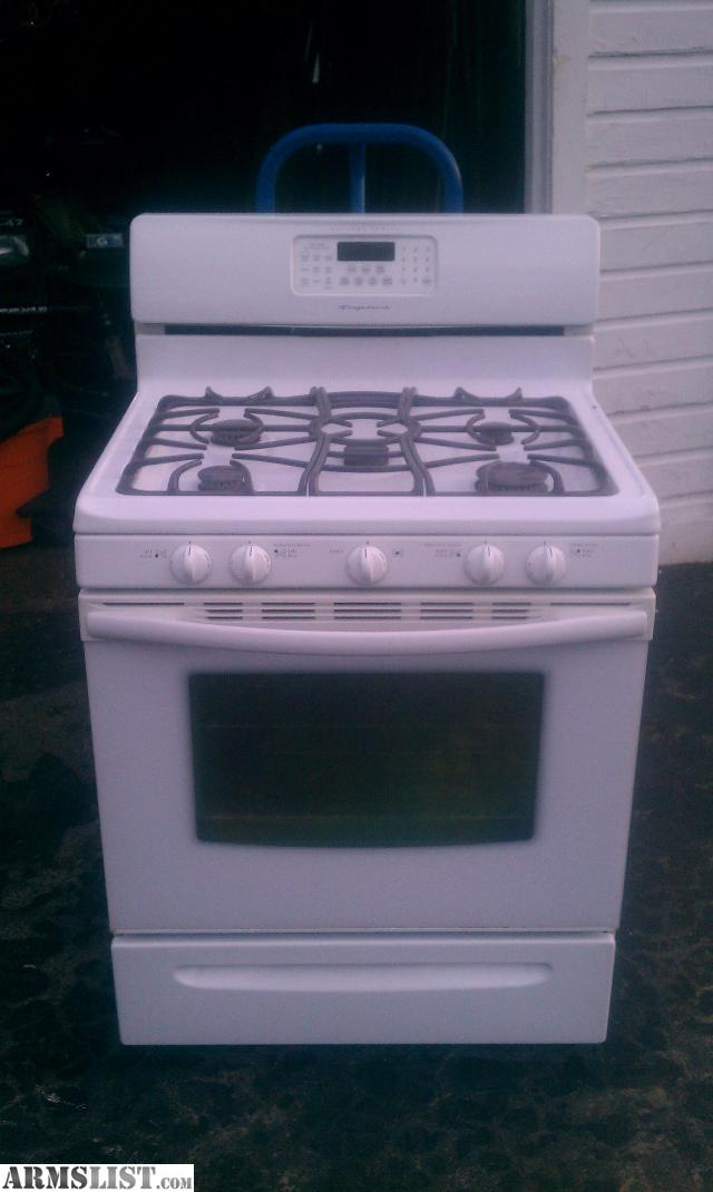i have a like new frigidaire gallery series gas range with digital display and quick bake sells for at sears rate now - Frigidaire Gallery Gas Range